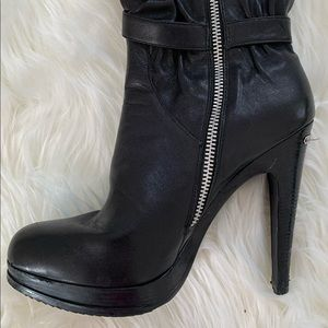 Michael Kors leather platform zipped boot